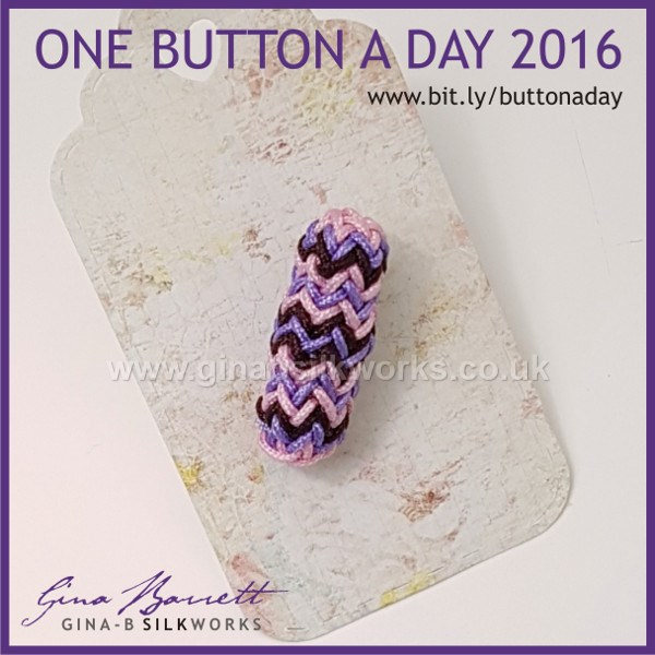 Day 353: Zigzag #onebuttonaday by Gina Barrett