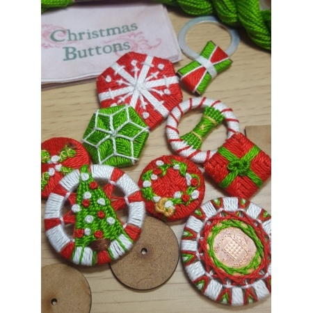 christmasbuttons22
